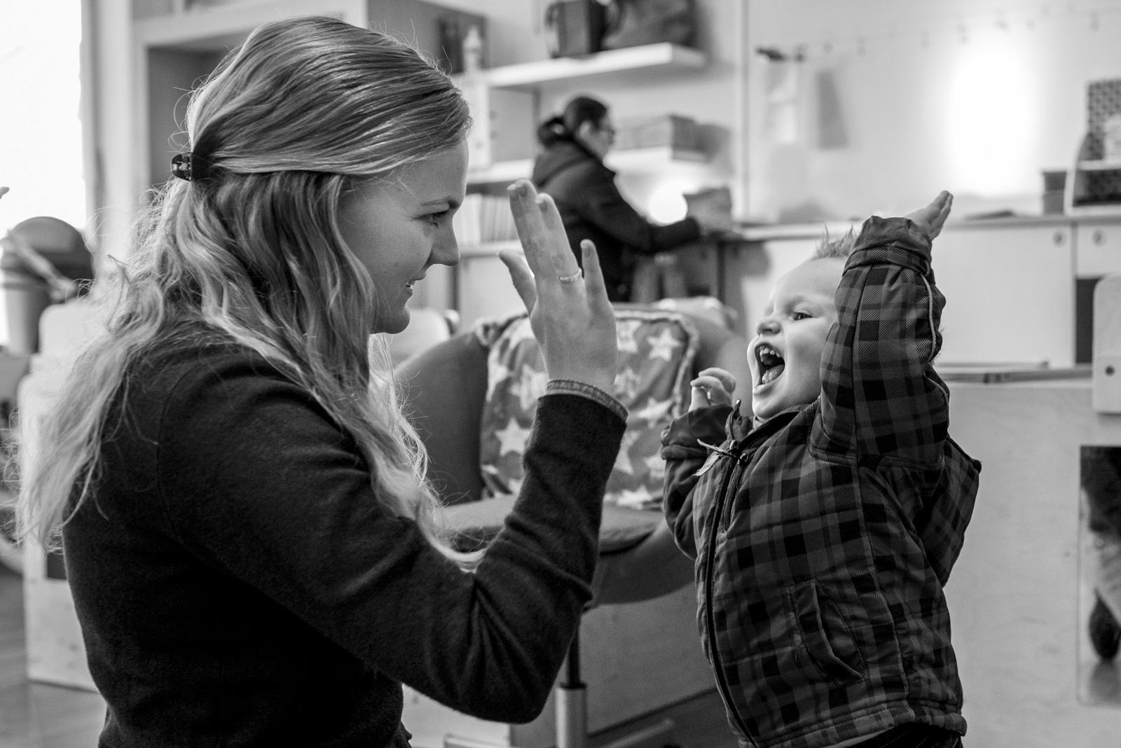 Fotograaf op een kinderdagverblijf en BSO